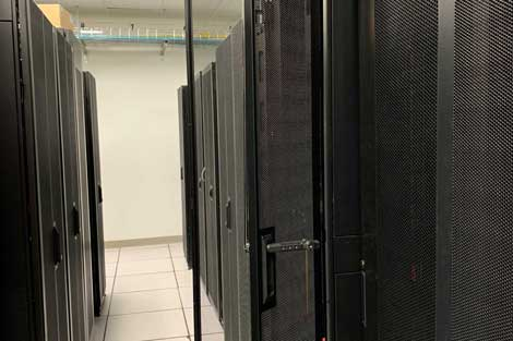 new-york-data-center-equipment-4-470x313